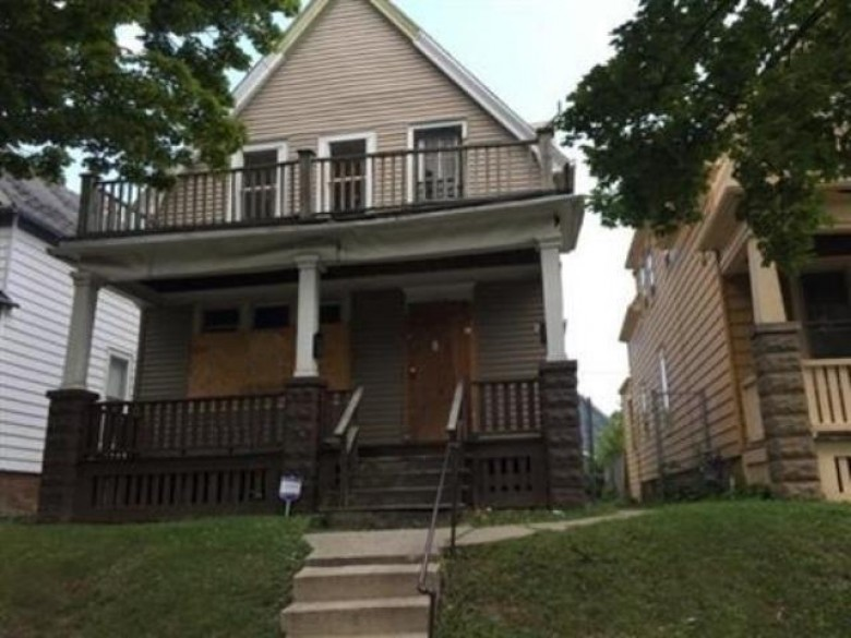 2854 N 28th St 2854A, Milwaukee, WI by Jason Scott Realty & Management, Llc $5,000
