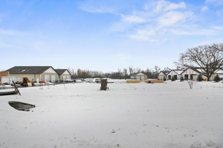 N60W22951 Silver Spring Dr 1/2, Sussex, WI by First Weber Real Estate $285,000