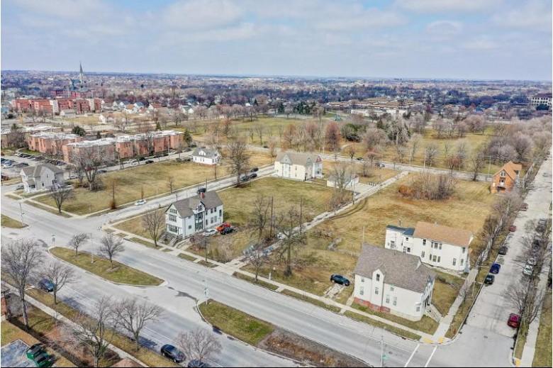 1417 W Juneau Ave 1425, Milwaukee, WI by Kelly Barrett Real Estate $19,000