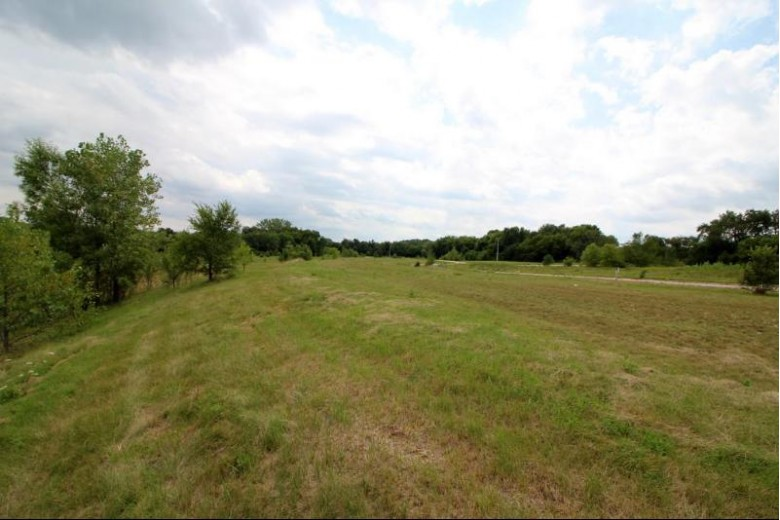 LT72 Fairway Dr, Twin Lakes, WI by Re/Max Newport Elite $64,900