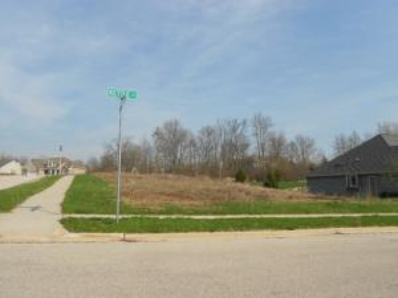 LT7 Kettle Ct, West Bend, WI by Russell Real Estate $49,900