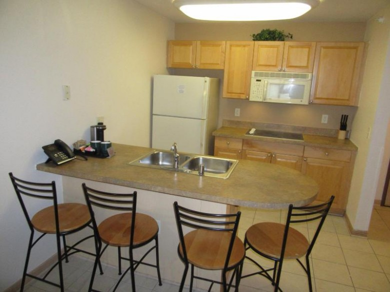 123 Center St 309, Lake Geneva, WI by Keefe Real Estate, Inc. $109,500