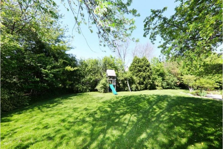 2245 S Parkside Dr, New Berlin, WI by Re/Max Realty 100 $459,900