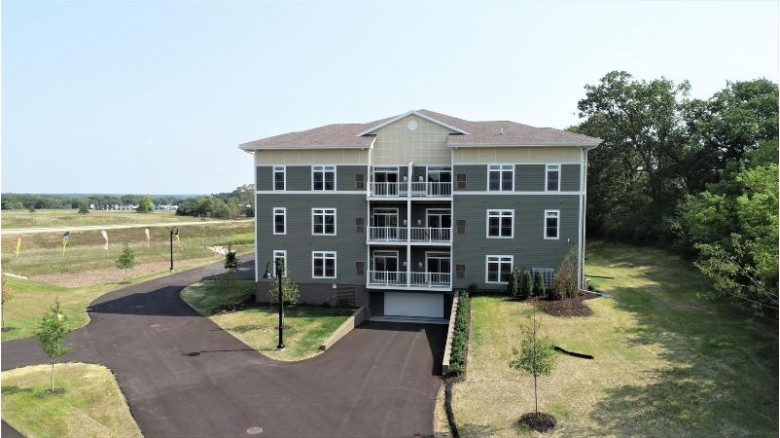 265 Thurow Dr 204, Oconomowoc, WI by Realty Executives - Integrity $245,000