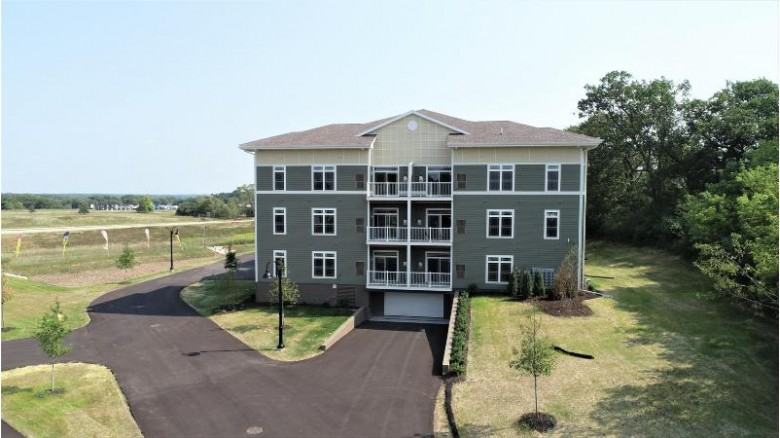 265 Thurow Dr 206, Oconomowoc, WI by Realty Executives - Integrity $245,000