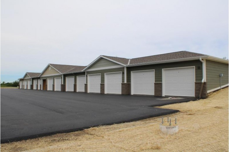 265 Thurow Dr 306 Oconomowoc, WI 53066 by Realty Executives - Integrity $270,000