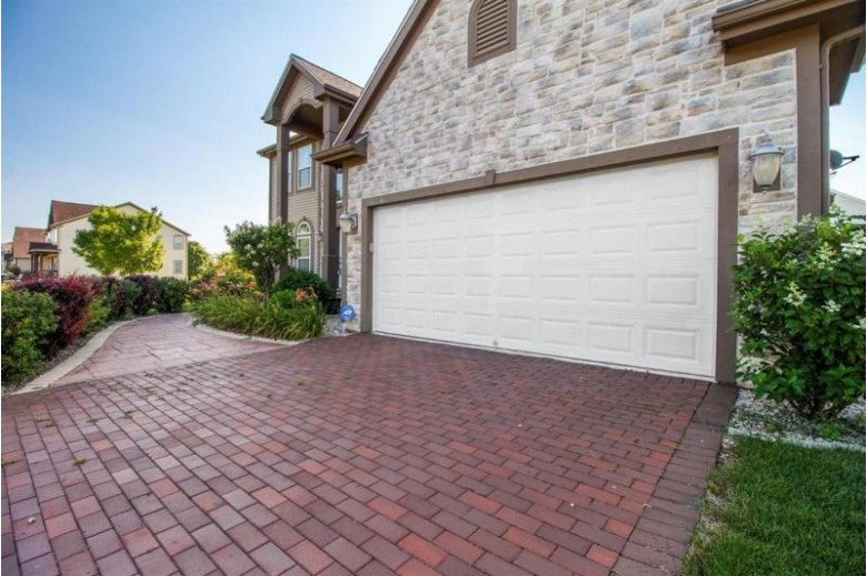 8196 S River Ln, Franklin, WI by Re/Max Service First Llc $570,000