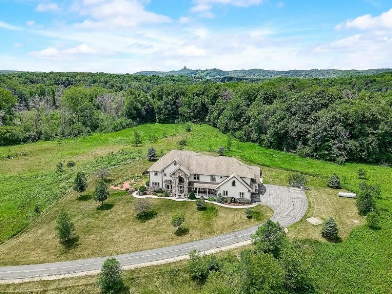 5005 Pleasant Hill Rd, Richfield, WI by First Weber Real Estate $1,150,000