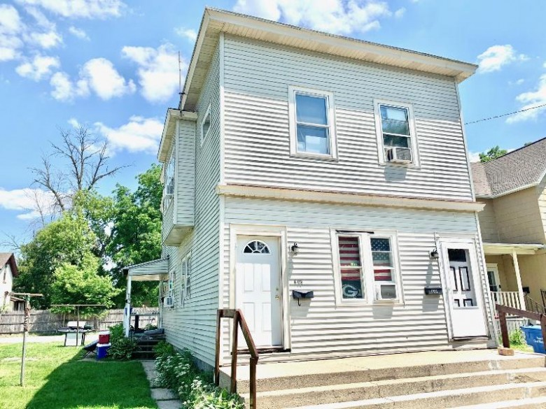 601 S Eighth St Watertown, WI 53094-4734 by Martin Real Estate $324,900