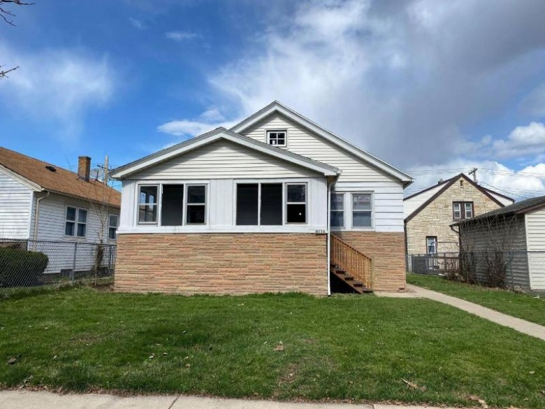 6124 W Medford Ave, Milwaukee, WI by Realty Dynamics $69,900