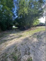 1806 Schmidt Rd, West Bend, WI by Milwaukee Executive Realty, Llc $45,000