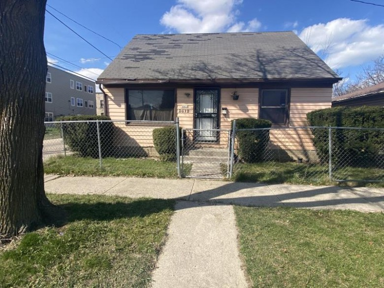 2612 W Ruby Ave, Milwaukee, WI by One Day Real Estate Service $35,900