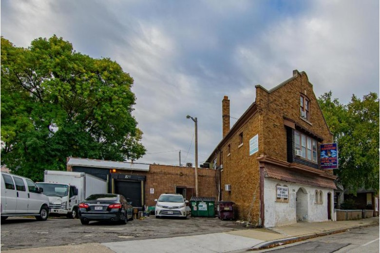 2101 W Forest Home Ave 2111, Milwaukee, WI by Homestead Realty, Inc~milw $299,900