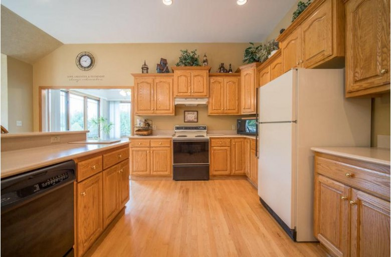 2150 Taylor Ct, Richfield, WI by Lightning Realty Llc $499,900