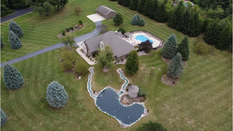 W1237 Hidden Oaks Dr, East Troy, WI by Re/Max Lakeside-27th $775,000