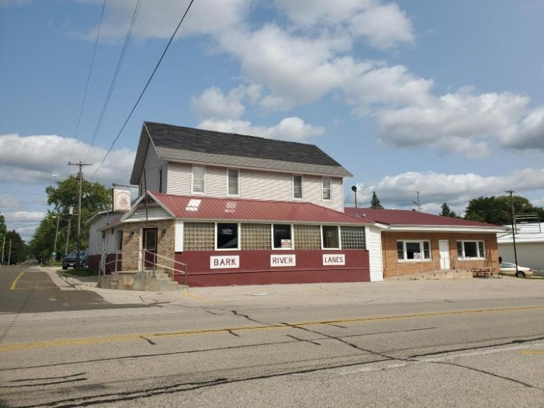 W1914 Main St, Sullivan, WI by Re/Max Realty Center $489,000