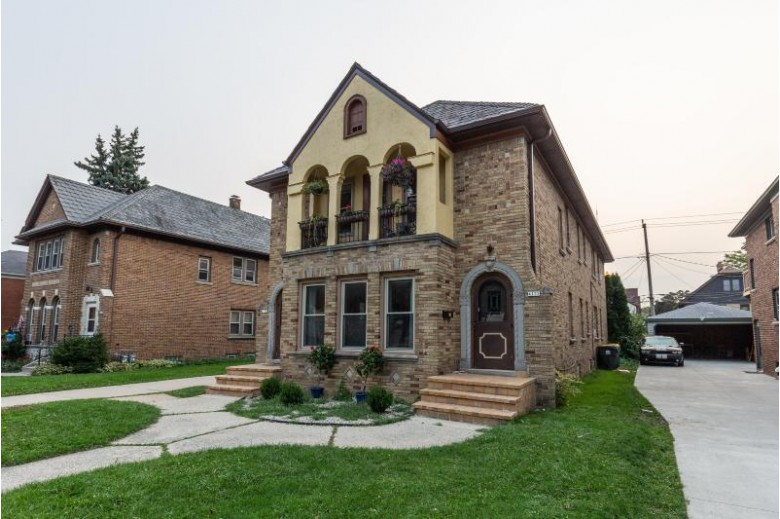 4133 N Bartlett Ave 4135, Shorewood, WI by Keller Williams Realty-Milwaukee North Shore $430,000