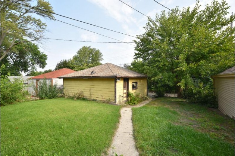 6168 W Spencer Pl, Milwaukee, WI by Shorewest Realtors - South Metro $157,500