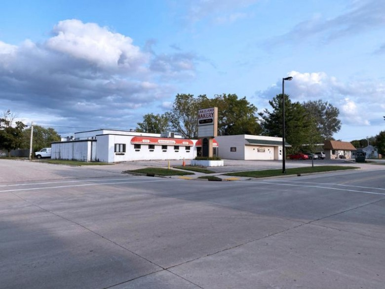 421 N Wisconsin St, Elkhorn, WI by Anderson Commercial Group, Llc $395,000