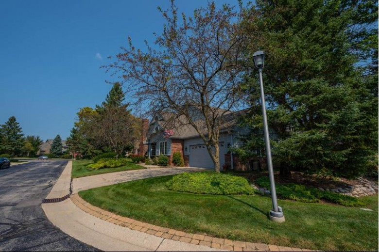 7420 W Morningside Ct, Franklin, WI by The Thomson Group Llc $311,900