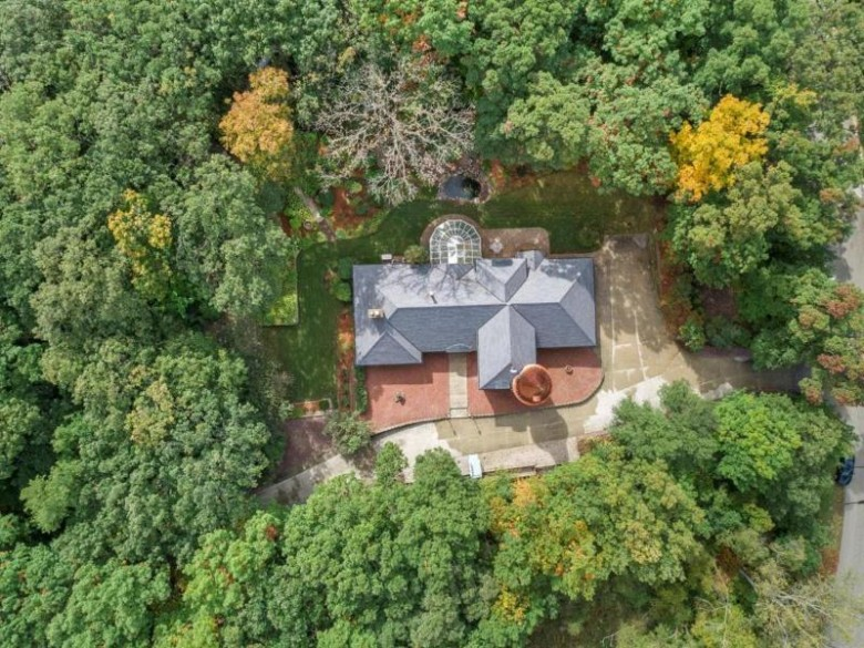 2985 Forest View Cir, Franksville, WI by Mahler Sotheby'S International Realty $950,000