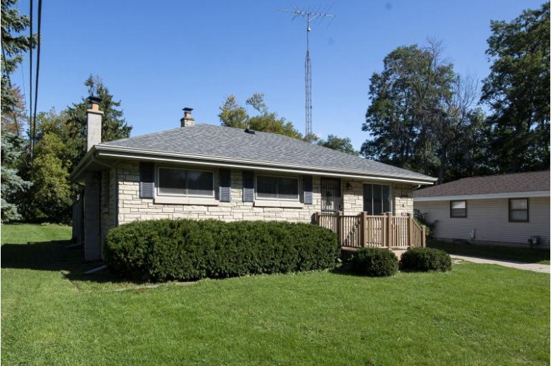 2816 Sunrise Rd, Racine, WI by Keller Williams Realty-Lake Country $175,000