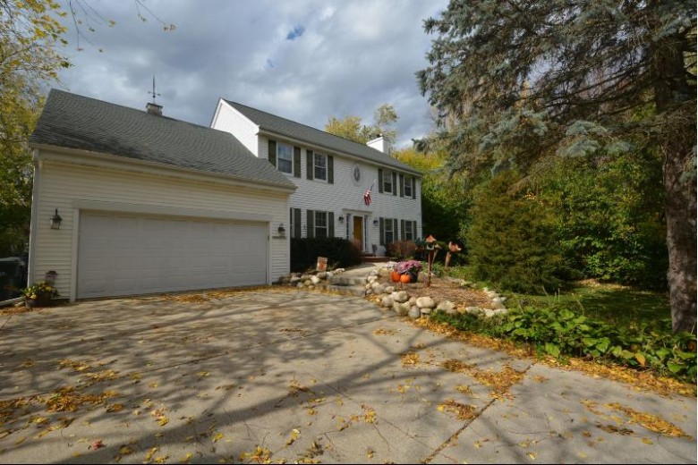 W282N6923 Main St, Merton, WI by First Weber Real Estate $379,800