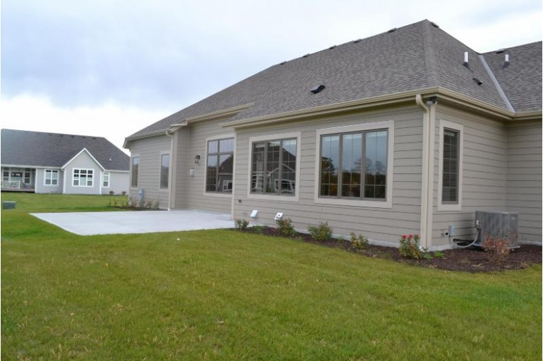 6157 S Grouse Hollow Ct, New Berlin, WI by Re/Max Legacy $899,900
