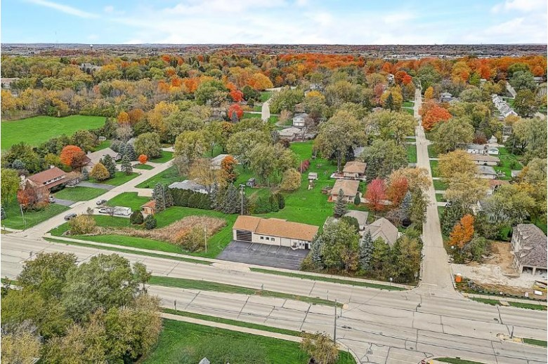 17630 W Greenfield Ave, Brookfield, WI by Keller Williams Realty-Lake Country $479,900