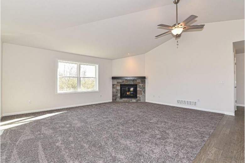 411 Trailview Crossing, Waterford, WI by Bear Realty Of Burlington $315,000