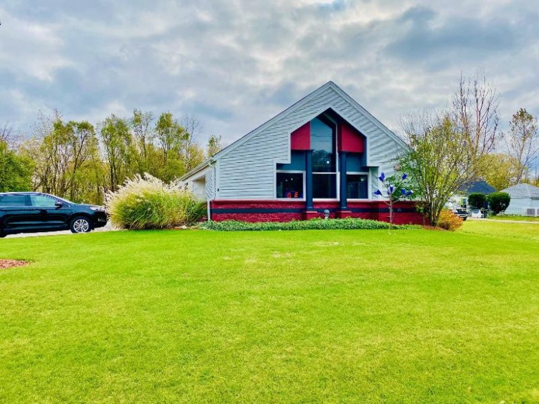 2885 W College Ave, Milwaukee, WI by Anderson Commercial Group, Llc $450,000