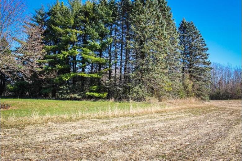 1098 State Highway 60, Cedarburg, WI by Land & Legacy Group Llc $520,000