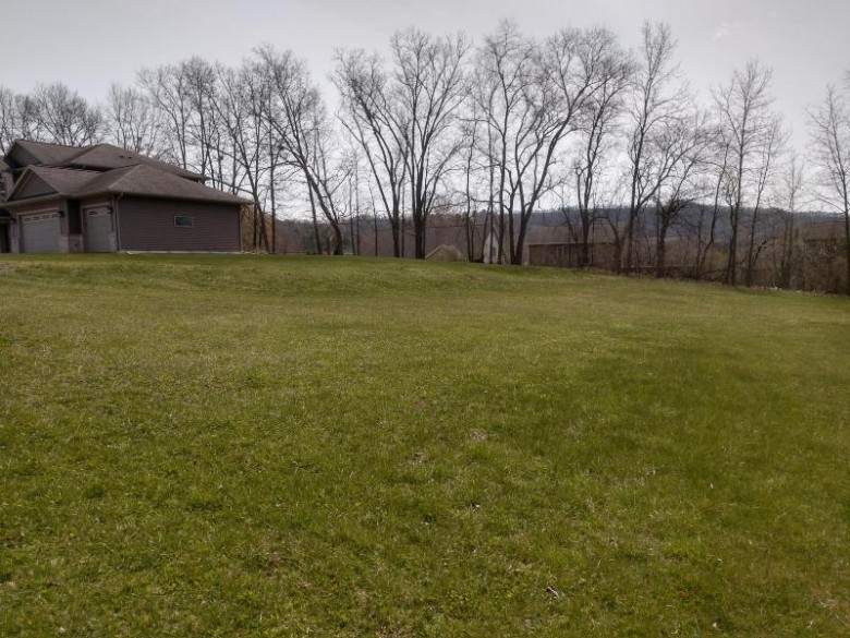 5540 Orion Ct, La Crosse, WI by Re/Max Results $39,500
