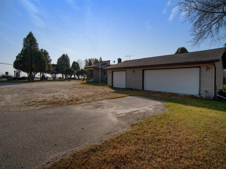 104 Eleonor St, Two Rivers, WI by Choice Commercial Real Estate Llc $275,000