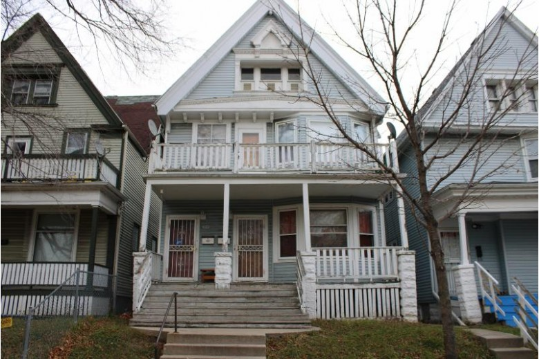 2038 N 33rd St 2040, Milwaukee, WI by First Weber Real Estate $79,900