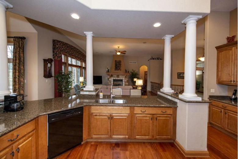 W283N6221 Hibritten Way, Hartland, WI by First Weber Real Estate $724,900