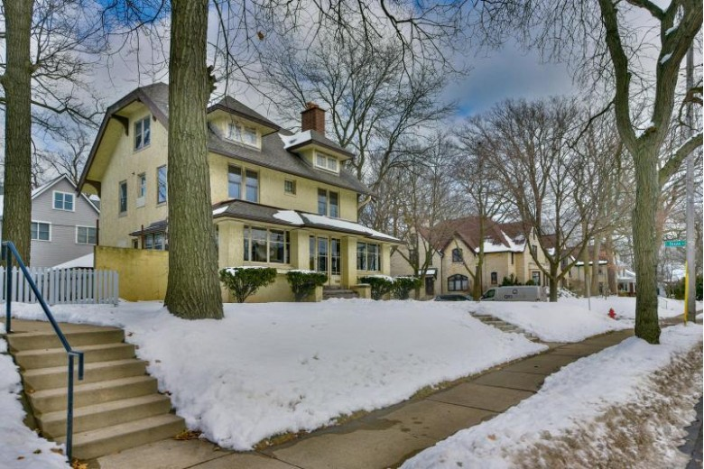 3040 S Superior St, Milwaukee, WI by Realty Executives - Elite $450,000
