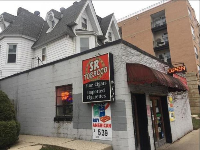 1926 N Farwell Ave 1928, Milwaukee, WI by Re/Max Service First Llc $599,000