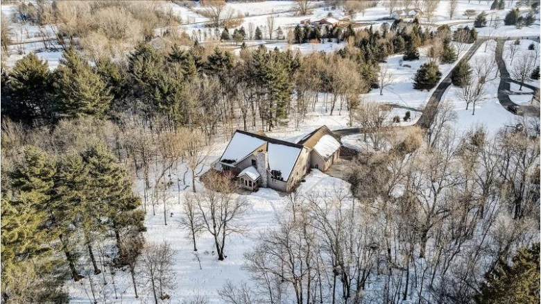 S77W35125 May Forest Rd Eagle, WI 53119-1485 by First Weber Real Estate $539,900