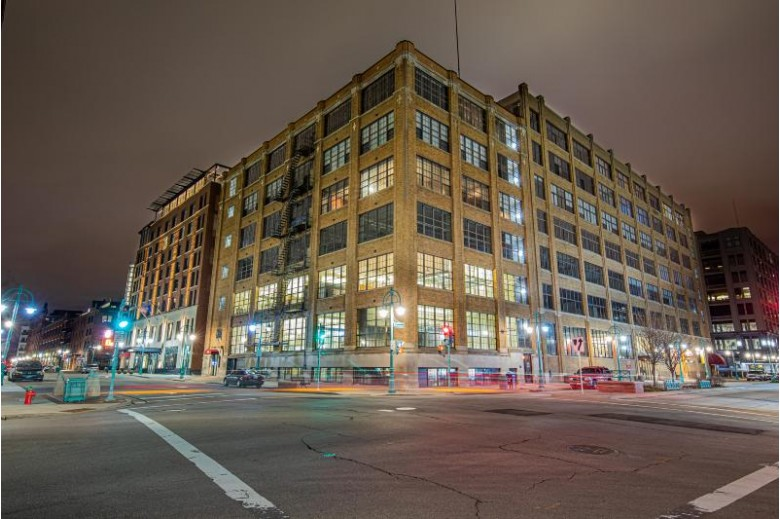 318 E Chicago St 4A, Milwaukee, WI by Keller Williams Realty-Milwaukee North Shore $858,000