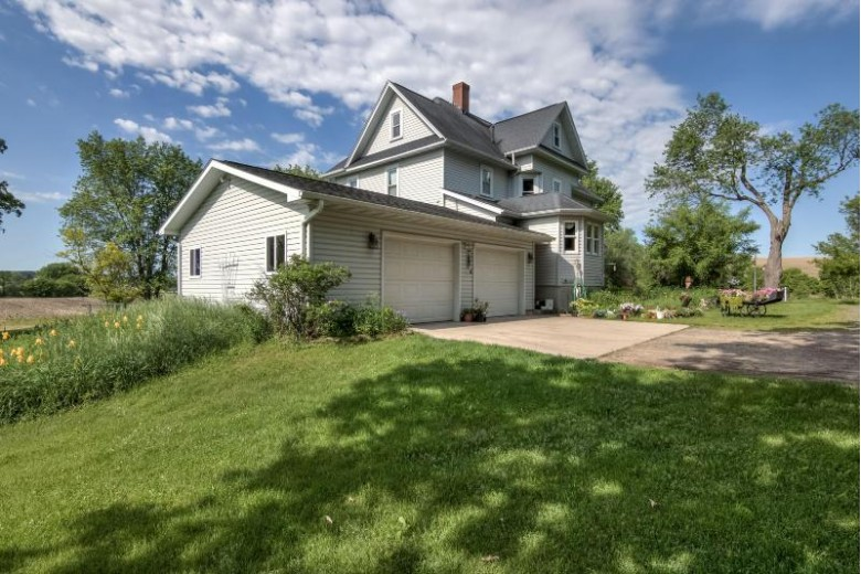 N40696 Christopherson Rd, Osseo, WI by Edina Realty, Inc. $399,000
