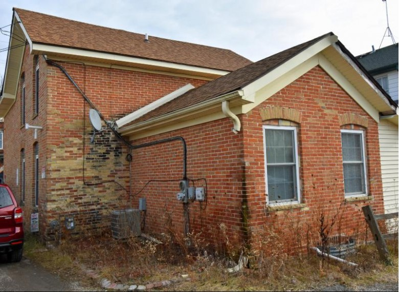 1909 State Road 175 Richfield, WI 53076-9593 by Re/Max Insight $179,000