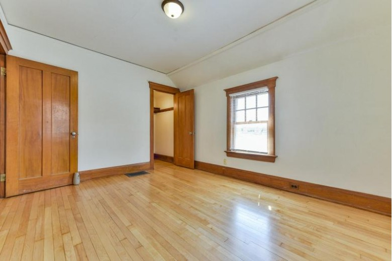 1217 S 28th St Milwaukee, WI 53215 by Standard Real Estate Services, Llc $169,999