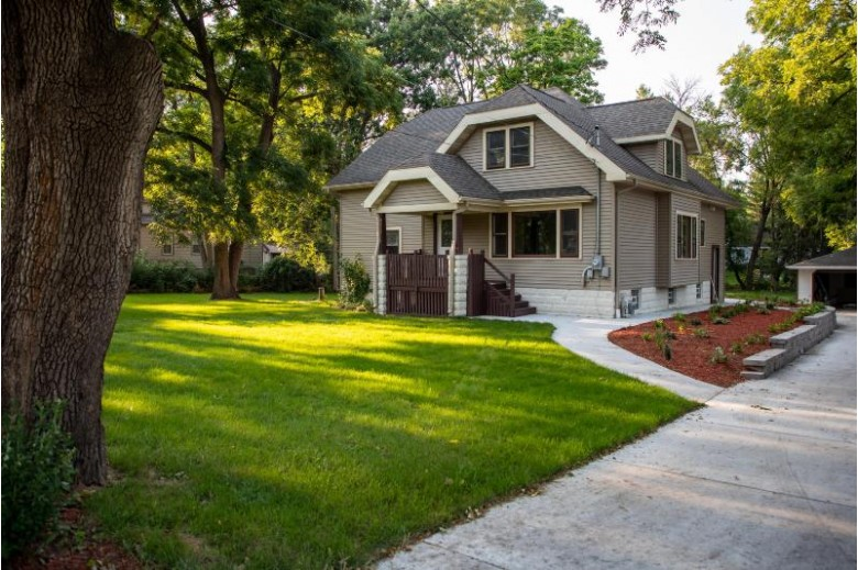 12506 W Forest Dr, New Berlin, WI by Exp Realty, Llc~milw $400,000