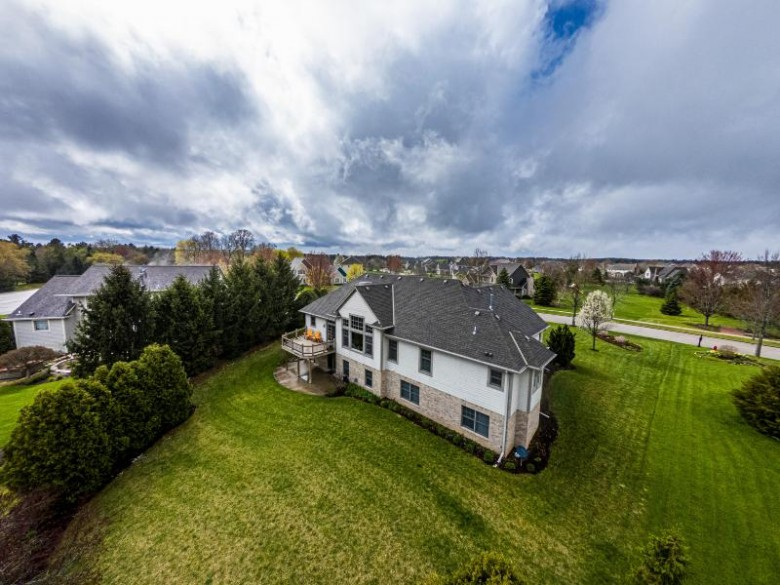1122 Four Winds Way Hartland, WI 53029-8557 by First Weber Real Estate $799,900