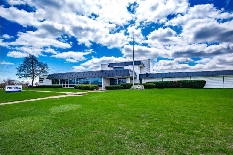 4915 21st St Racine, WI 53406 by First Weber Real Estate $2,500,000