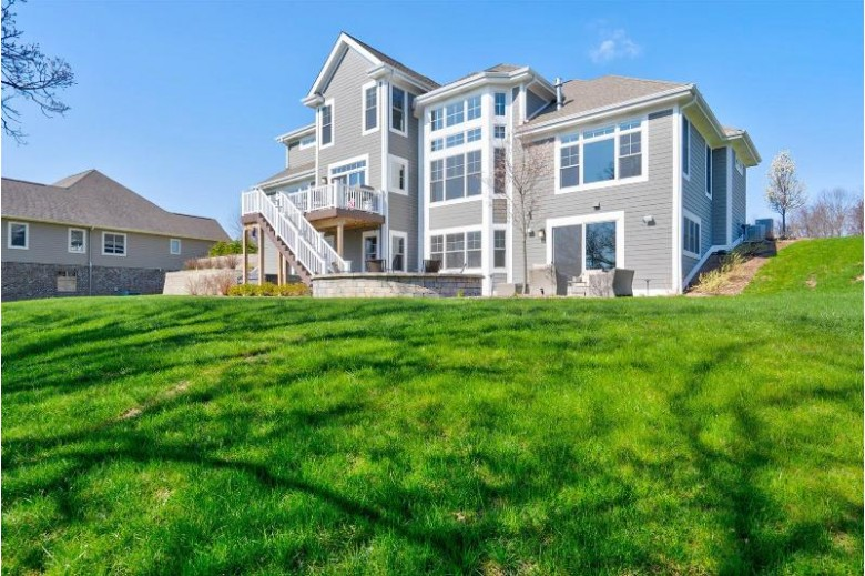 W251N4814 Stepping Stone Way, Pewaukee, WI by Realty Executives Integrity~brookfield $950,000
