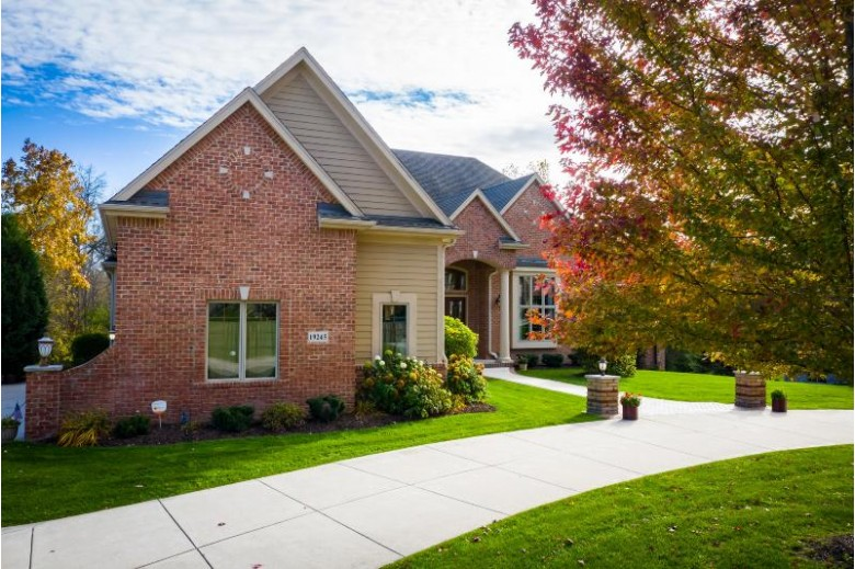 19245 Rivendell Dr, Brookfield, WI by Brookfield Realty Co.,inc. $978,000