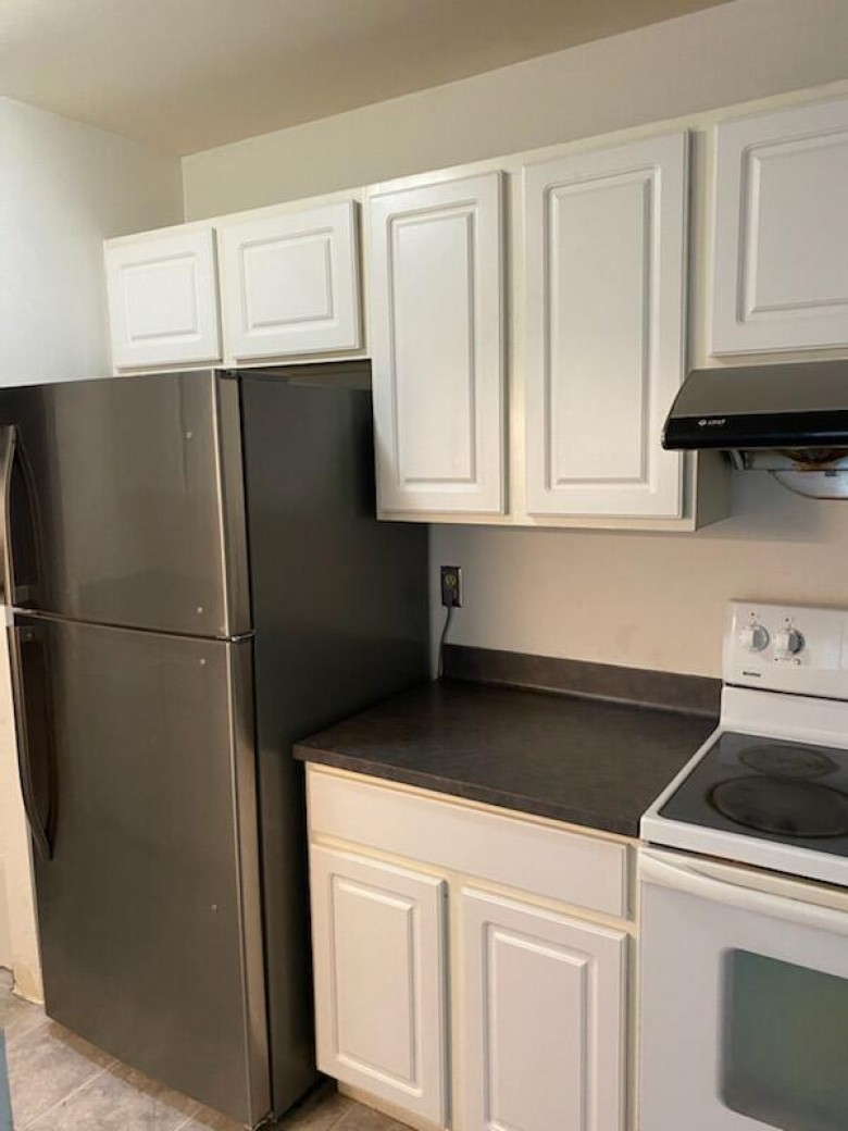 8309 N 107th St B, Milwaukee, WI by Homestead Realty, Inc~milw $72,900