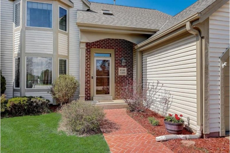 W249N5889 Swan Ct Sussex, WI 53089 by Exit Realty Xl $429,900